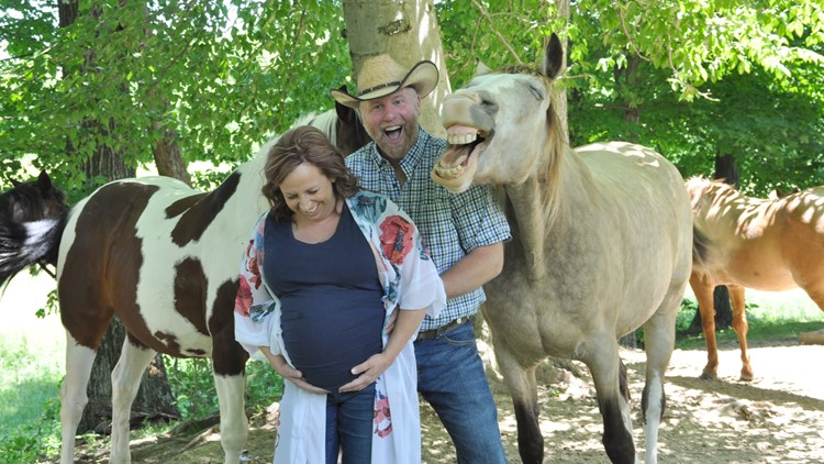 Hilarious horse hams it up and steals the spotlight at a maternity photo session