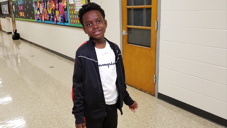Kentucky elementary student's jaw-dropping rendition of the National Anthem goes viral
