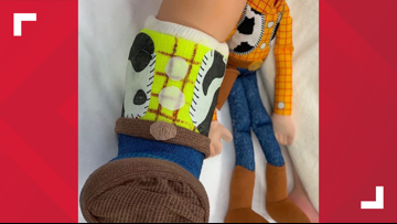 Doctor uses 'cast art' to brighten up her patients' days