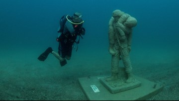 Circle of Heroes underwater memorial honors military veterans