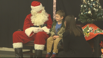 'Signing Santa' communicates with deaf children through sign language in Michigan